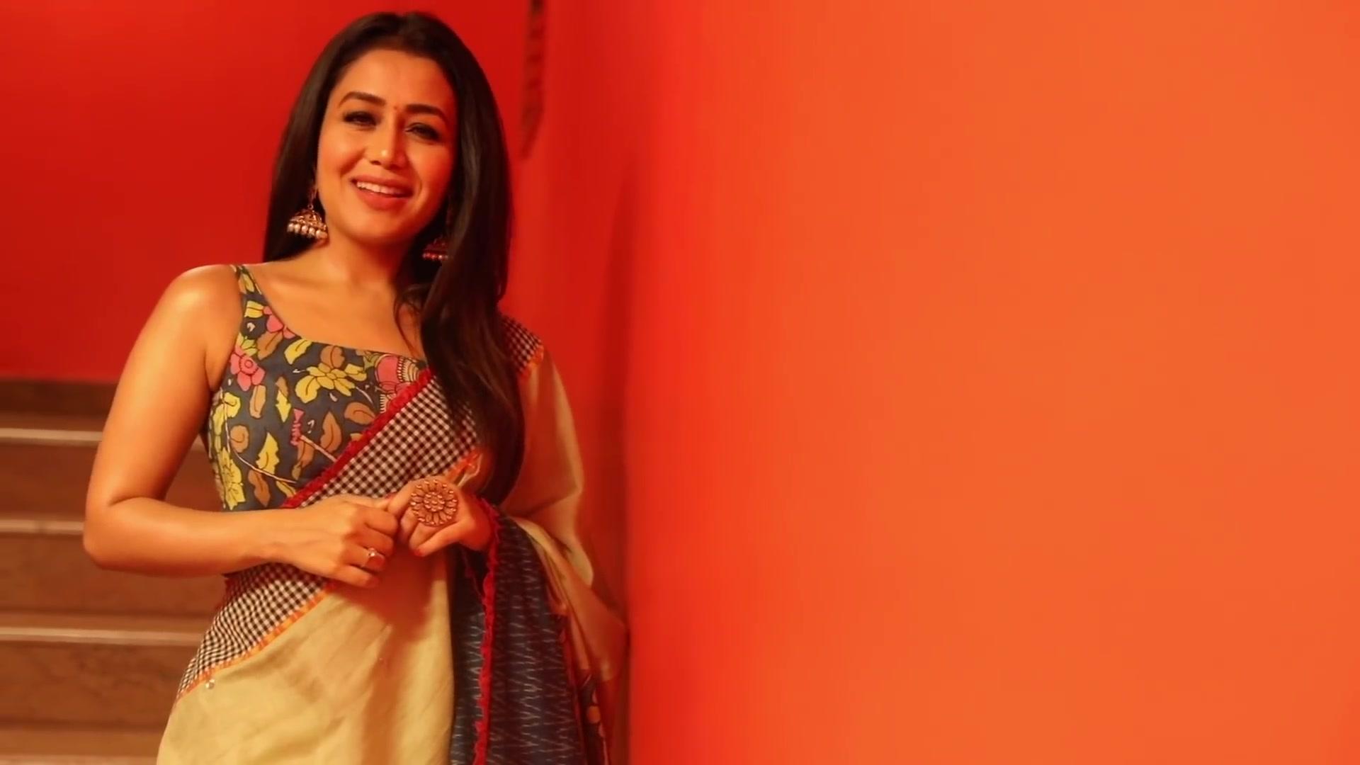 Neha Kakkar Celebrity Style In Tera Ghata Single 2019 From Tera Ghata Charmboard