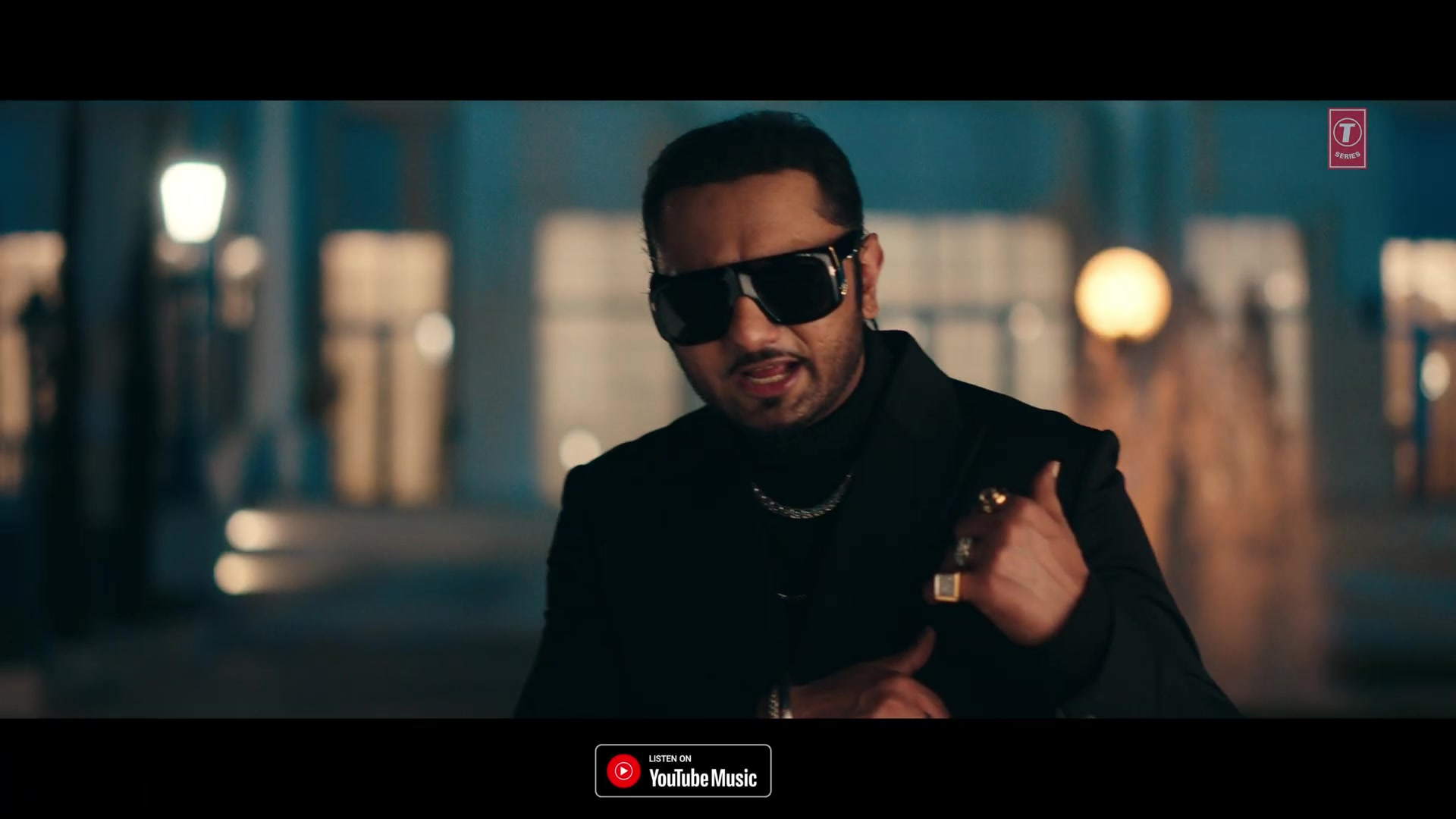 Celebrity Hairstyle Of Honey Singh From Billo Tu Agg Single 2020 Charmboard